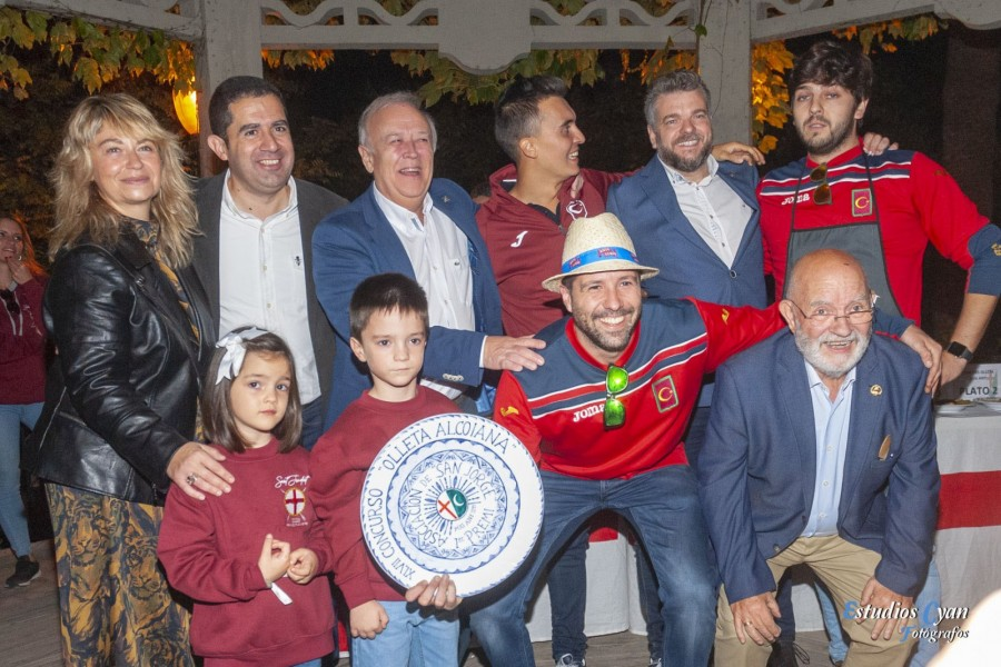 La Filà Magenta gana el XLVII Concurso de Olleta Alcoyana